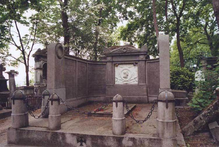 Могила маршала Нея на кладбище Пер Лашез.