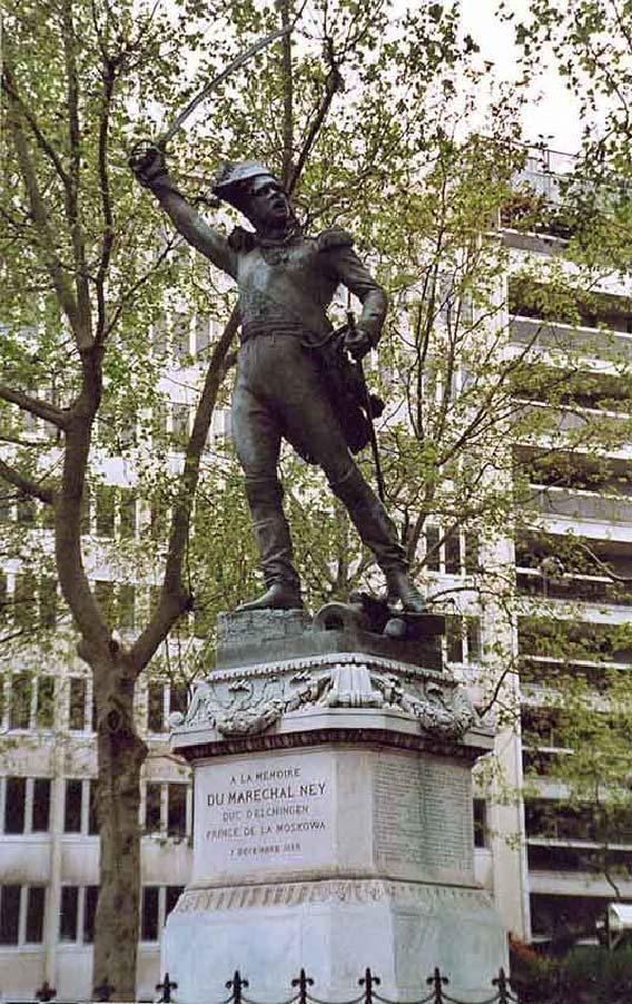 Памятник Нею на площади Обсерватории в Париже.